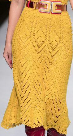 Crochet Skirts, Crochet Blouse, Crochet Clothes, Filet Crochet, Knit Crochet, Sewing Patterns, Crochet Patterns, Diy Crafts Hacks, Crochet Designs