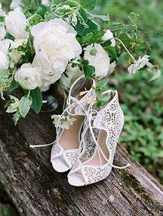 Laser-cut bridal shoes   Momoko Photography on @limnandlovely