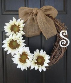 Easy DIY wreath! Simple and southern @Natalie Jost Jost Jost Kane @Cathy Ma Ma Cao Cheysobhon