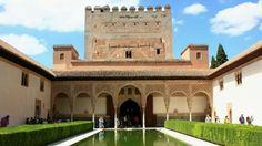 Granada A walking tour around the city / Un paseo por la ciudad