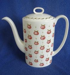 "Susie Cooper ""Apple Gay"" coffee pot"