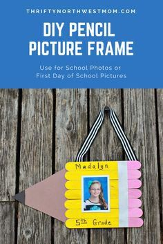 This DIY Pencil Picture Frame is perfect for back to school photos or class pictures Popsicle Stick Picture Frame, Popsicle Stick Crafts For Kids, Picture Frame Crafts, Craft Stick Crafts, Preschool Crafts, Popsicle Sticks, Kid Crafts, Craft Ideas, Fall Preschool
