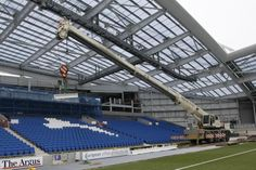 @BHASnappy: #EXTRASEATS The first steels are lifted onto the top of the East Stand to support the upper tier #BHAFC