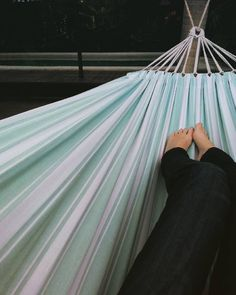 Hammocks seriously good for your health since their invention. #hammocklife #moneywellspent  #soulfood  #fnqlife by @redobysue