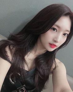 South Korean Girls, Korean Girl Groups, Red T, Yuehua Entertainment, Kim Jaehwan, Ulzzang Girl, K Idols, Girl Crushes, Mini Albums