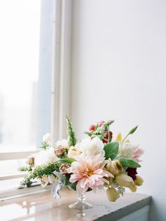 How To Create A Compote Floral Arrangement from Lane Dittoe. Gorgeous styling.   Read more - http://www.stylemepretty.com/living/2013/07/02/how-to-create-a-compote-floral-arrangement-from-lane-dittoe/