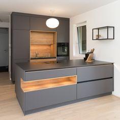 Modern Kitchen Interiors, Modern Kitchen Cabinets, Kitchen Cabinet Design, Modern Kitchen Design, Home Decor Kitchen, Interior Design Kitchen, Small Luxury Bathrooms, Pantry Design, Best Kitchen Designs