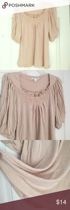 NWOT Banana Republic Lace Appliqué Neckline Small NWOT! Beautiful top! Light soft loose fabric :) Banana Republic Tops Blouses