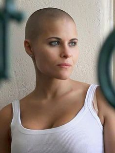 Short Hair Beauty — In this case… Bald is Beyond Beautiful. Bald Head Women, Shaved Head Women, Super Short Hair, Short Hair Cuts, Short Hair Styles, Shave Designs, Buzzed Hair, Bald Hair, Beautiful Haircuts