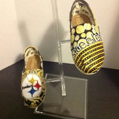 Pittsburgh Steelers Toms  get outta town I soooo want a pair of these Toms