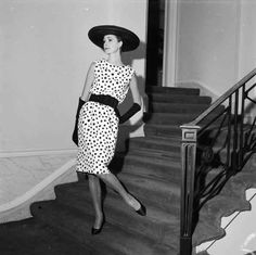 …as did the ladylike dresses at the start of the decade…