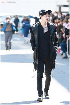 jung joon young ♥ (cto) Asian Fashion, Boy Fashion, Jung Joon Young, Jung Yoon, Asian Boys, Playing Guitar, Bad Boys, Kdrama, Fangirl