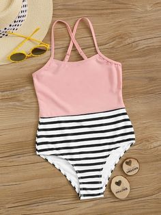 To find out about the Girls Crisscross Back Splicing One Piece Swimsuit at SHEIN, part of our latest Girls Swimwear ready to shop online today! Bathing Suits For Teens, Summer Bathing Suits, Swimsuits For Teens, Bathing Suits One Piece, Cute Bathing Suits, Teen Fashion Outfits, Mode Outfits, Girl Outfits, Cute One Piece Swimsuits