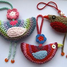 Crochet bird sachets - how-to  attic 24 birds. Lucy gives us so many free patterns.  Go to her attic and donate.  Thank you Lucy