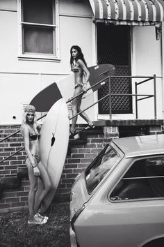 in surfing in phlow Surf Bikini, Bikini Girls, Surfer Girls, Beach Shack, Surf Style, Beach Girls, Island Life, Paddle Boarding, Surfboard
