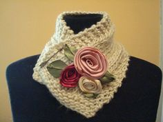 KNITTED COLLAR W/Flowers