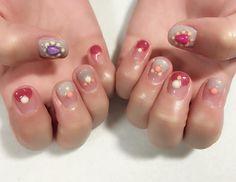 chiekonakayama:    サンプルから選んでくださったデザインのベースカラーや配置を変えて  MissMirageR20.27.35  ストーンパーツブリオン丸かん  #nail #nails #nailart #ネイル #美甲 #ネイルアート #clou #-ute #中島早貴 ちゃん