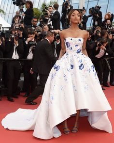 Jourdan Dunn opted for volume in a beautiful strapless Ralph & Russo gown. HarpersBAZAAR.co.uk