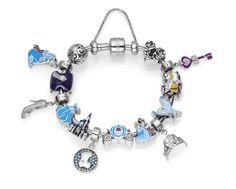 Berloques e charms da Cinderela que a Vivara vai lançar, no estilo pulseira Pandora, e homenageando os principais personagens e itens do filme.