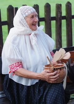 Polish costumes: Beskid Śląski - laced head covering traditionally worn by married women.