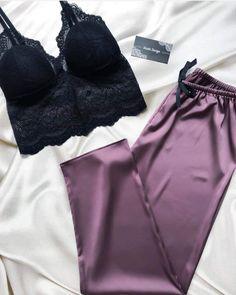 Pijama y top Cute Sleepwear, Sleepwear Women, Pajamas Women, Lingerie Sleepwear, Jolie Lingerie, Lingerie Outfits, Pretty Lingerie, Mode Outfits, Fashion Outfits