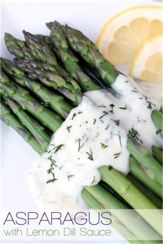 Fresh steamed asparagus with a light, flavorful lemon dill sauce! A delicious and healthy side dish!