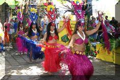 skip expensive luaus and see free hula shows at Lahaina Cannery mall. Fantastic free show at Kaanapali Shores--live music, hula, and local vibe.