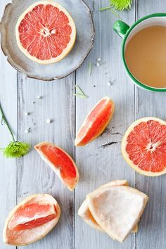 Dr Oz: Slimdown Drink - Combine 1 C grapefruit juice, 2 tsp apple cider vinegar, and 1 tsp honey. Drink this combination before every meal. Apple cider vinegar helps you burn and break down fat. This drink combination also burns away your fat, literally. Drink it 3 x per day before meals.
