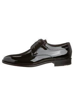#zapato de #novio de #charol
