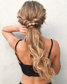 Twisted ponytail hairstyles,Easy half up half down hairstyle,easy half up hairst - Boho Hairstyles Down Hairstyles For Long Hair, Easy Summer Hairstyles, Ponytail Hairstyles, Hairstyle Ideas, Wedding Hairstyles, Trendy Hairstyles, Brunette Hairstyles, Asymmetrical Hairstyles, Hair Updo
