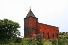 Église Fantôme (par Eric Poupaert). En savoir plus : http://voyager-au-cambodge.com/sites-a-visiter/kampot-et-kep-sur-mer