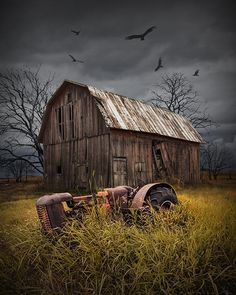 The Death of a Small Midwest Farm with abandoned Barn and Tractor below Circling Vultures - A Fine Art Agricultural Photograph Country Barns, Old Barns, Country Life, Farm Paintings, Landscape Paintings, Easter Paintings, Barn Pictures, Barn Art, Old Farm Houses