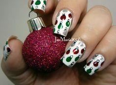 Christmas nails | Christmas bauble nail art design