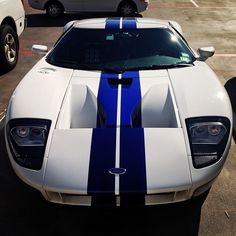 Hot Ford GT love the white and blue!