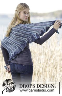 """Knitted DROPS shawl in garter st, worked diagonally with flounce in one side in """"Fabel"""". ~ DROPS Design"""