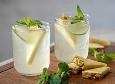 Pineapple Mojito Sangria from Publix Aprons (Pineapple Punch Nonalcoholic) Sangria Recipes, Drinks Alcohol Recipes, Smoothie Recipes, Punch Recipes, Drink Recipes, Pineapple Mojito, Pineapple Punch, Wine Pineapple, Wine Cocktails