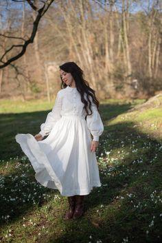 White Linen Dresses, White Dress, Prarie Dress, Old Fashion Dresses, Wedding Dress With Pockets, Dress Pockets, Mid Length Skirts, Dress Cuts, White Long Sleeve
