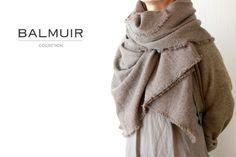 BALMUIR(バルミュール)カシミア大判ストール「Natural cashmere scarf(W100)」(Brown)