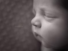 Fotografia de Recém-Nascido | Newborn Photography | Contam'Estórias Fotografia #recémnascido #bebé #mãe #mamã #amor #bebé #fotografia #detalhes #fotografiagravidez #fotografiarecemnascido #portofotografia #irmão #irmã #contamestorias #mother #love #mommy #photography #newbornphotography #details #brother #littlesister #sister #newborn #newbornphoto #newbornphotograper #baby