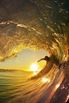 Awesome waves in golden hour