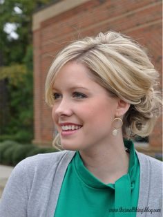 The Small Things Blog: Pretty & Simple Updo Tutorial. Great for thick hair. Uses clear pony holders, bobby pins and hairspray.