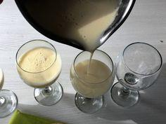 ET – Blogit   Makujen Päiväkirja – Kuohuviiniposset - unelmaiset tarjottavat vapuksi & kevään juhliin Glass Of Milk, Panna Cotta, Ethnic Recipes, Food, Dulce De Leche, Essen, Meals, Yemek, Eten