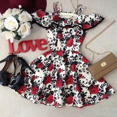 Vestido Larissa No Neoprene C/ BOJO /PomPom( Estampa Rosa Vermelhas) - Melrose Brasil