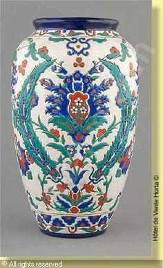 KERAMIS (Belgium) - Important vase à col évasé craquelé au décor Iznik numéro 69