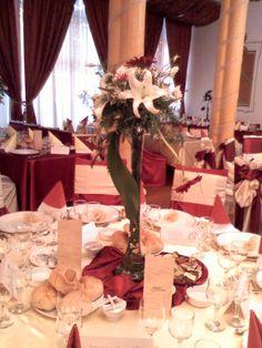 Vaza cu aranjament floral
