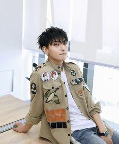 that lip bite tho Chanyeol, Tao Exo, Qingdao, Chen, Rapper, Exo 12, Huang Zi Tao, Kim Minseok, Exo Korean