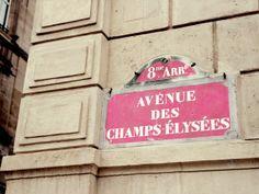 LA DOUCE FRANCE We kunnen u niet verzekeren voor teveel shoppen. Wel voor alle andere uitdagingen op reis. www.inshared.nl/verzekeringen/reisverzekering#hulpopreis