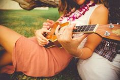 Love + Ukeleles | Hawaii Engagement Photos | Chris J Evans