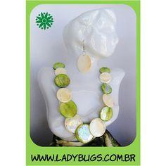 Colar e brincos em madrepérola - um xuxuzinho Conjunto Prainha por R$ 30,00 Corre lá: www.ladybugs.com.br
