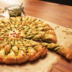 I examined the pesto pignon solar pie step-by-step No Salt Recipes, Veggie Recipes, Lunch Recipes, Cooking Recipes, Crockpot Lunch, Savoury Baking, Food Platters, Finger Foods, Food Inspiration